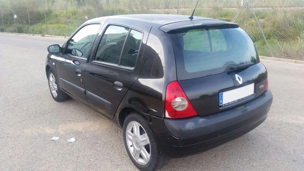 Renault_Clio_Planacars
